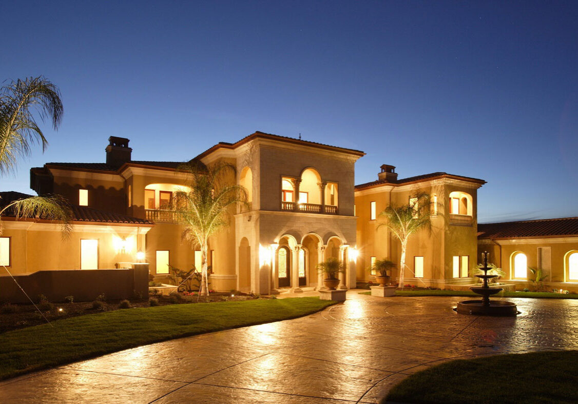 Pictures-of-Beautiful-Homes-Exterior-On-The-Night
